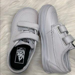 NWOT Vans white sneakers